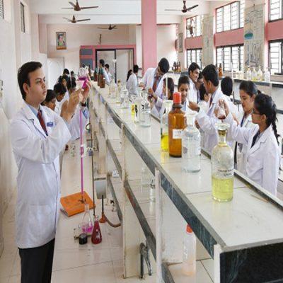 دانلود پاورپوینت تاثیر کار در آزمایشگاه شیمی بر کیفیت آموزش و یادگیری در دبیرستان و دانشگاه